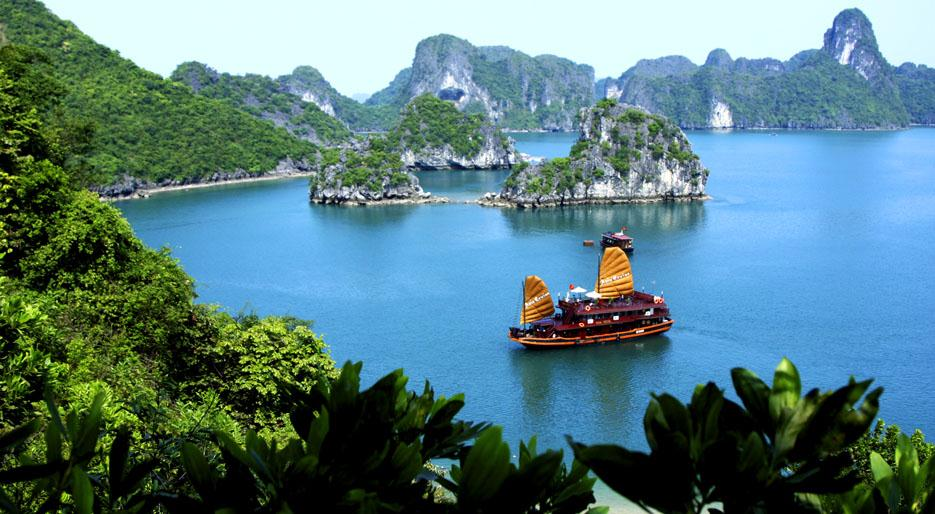 Ha Noi - HaLong Packages Tours 4 Days 3 Nights