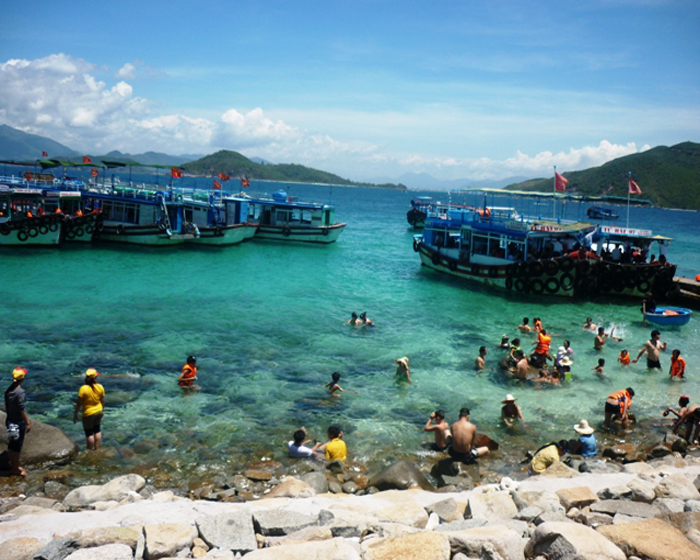 Explore and Discover Some Famous Beaches of Vietnam 18 Days 17 Nights